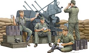 German Anti-Aircraft Gun Crew  (00432)