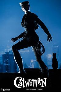 DC Sideshow Collectibles 1/6 Scale Doll Figure: Catwoman