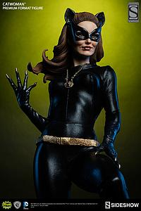 Classic Catwoman (Exclusive)