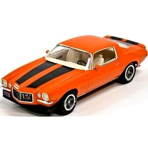 AMT 1:25 Scale Car Plastic Model Kit 1970 1/2 Chevy Camaro Z/28 (AMT635L)