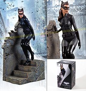 DC Collectibles The Dark Knight Rises Statue: Catwoman (1:12)