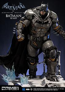 Batman XE Suit (Exclusive)