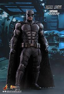 Batman (Tactical Batsuit Version) (MMS432)