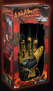 "A Nightmare on Elm Street 14"" Freddy's Glove Prop Replica (1984) (opened for display*)"