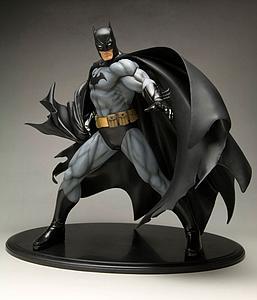 "DC Collectible 11"" Statue Figure ArtFx Series - Batman (Black Costume Version)"
