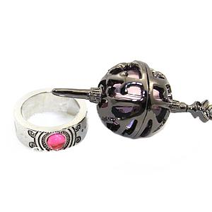 Madoka Magica Ring & Necklace: Pink Spiked Egg Set